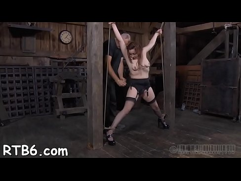 Facial and pussy torture for playgirl