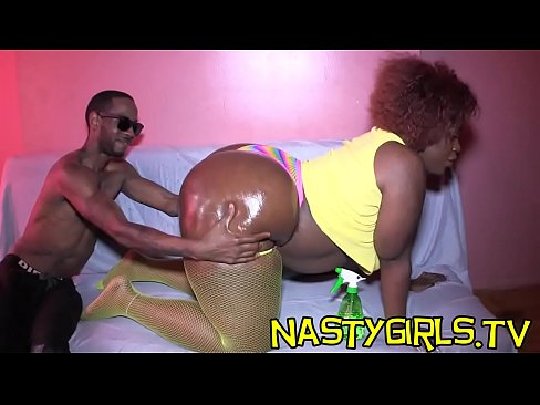 She dancing while riding dick amateur