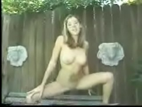 nice young sexy girl hot sshow pissing