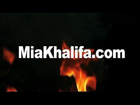 MIA KHALIFA - Busty Arab Blowjob Queen Sucking Tony Rubino's Cock By The Pool
