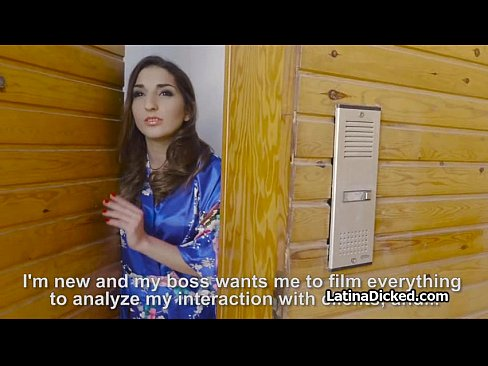 Latina wife blows vacuum salesmanXXX Sex Videos 3gp