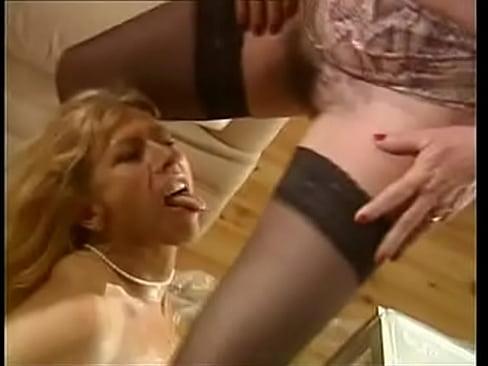 Piss French femmes matures - scene 3 dany