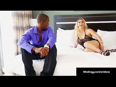 Blonda Incearca Sa Faca Un Sex Cu Vecinul Ei Sexos
