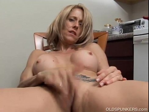 Dirty wet milf
