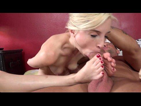 Piper perri sucking her feet mobile porno videos