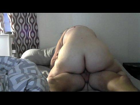 amateur plumper riding orgasm