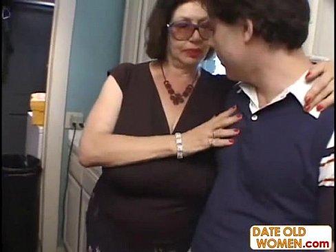 Ебут вдвоем сразу, негр с толстым членом смотреть онлайн