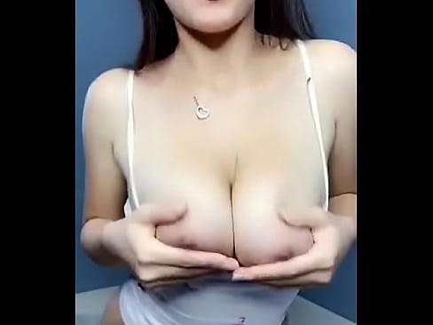 horny girl huge tits