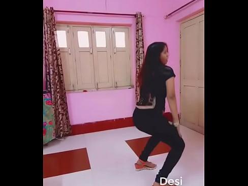 Beautiful Teen Dancing for her boyfriend - YouTube