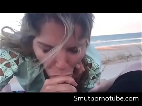 beach blowjob Amateur