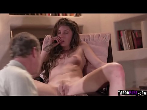Young Girl Eats Old Pussy