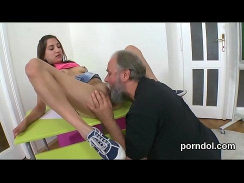 Трахает чужую жену за долги порно онлайн