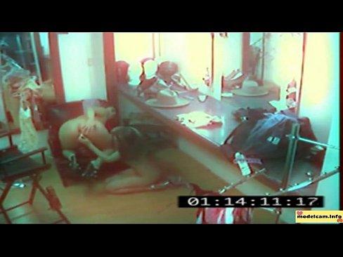 Попки смотреть видео со скрытых камер наблюдение за мамками