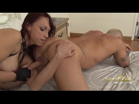 submisive girl give rim job and gets fucked