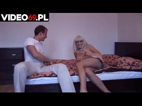 Polskie porno - Koleś zerżnął swoją szkolną koleżankę aż wióry poleciały