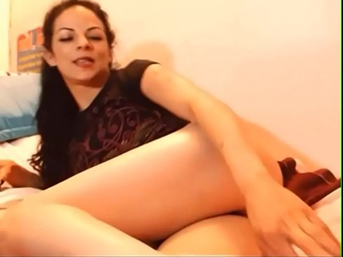 Mature latina ass in HD webcam on camsyz dot com