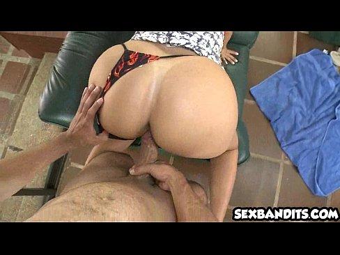 14 Hot ass milf latina gets fucked 07