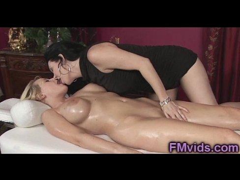 Rayveness attractive lesbians got an anal sex