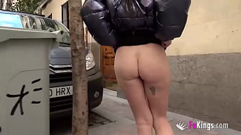 Mónica wants that cock... And will eat it even if she's in the middle of the street!