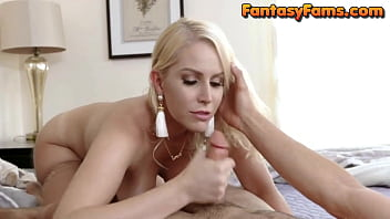 Busty Mom and Son Fucking Each Other When Dad Not Home - FantasyFams 8分钟