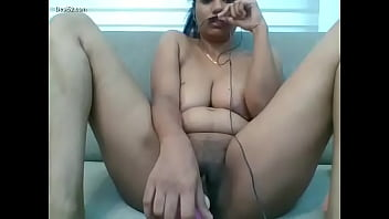 Dubai mallu malayali housewife camshow and masturbation with toys with clients part 1